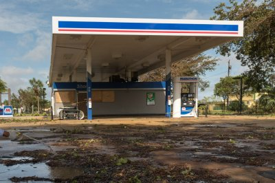 Hurricane-related spike in gas prices ebbing
