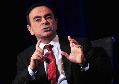 Three auto giants sign partnership deal