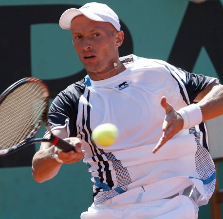 Davydenko tops Mathieu in Hamburg final