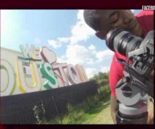 Crew shooting film to promote Houston robbed at 'We Love Houston' sign