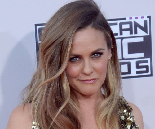Alicia Silverstone, Jeremy Sisto have 'Clueless' reunion at AMAs
