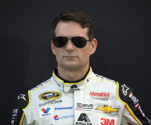 If Dale Earnhardt Jr. is sidelined for Indy, Jeff Gordon will replace him