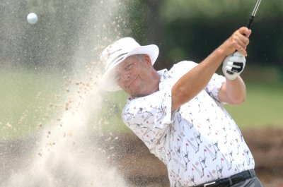 Kirk Triplett shoots record 62 in U.S. Senior Open