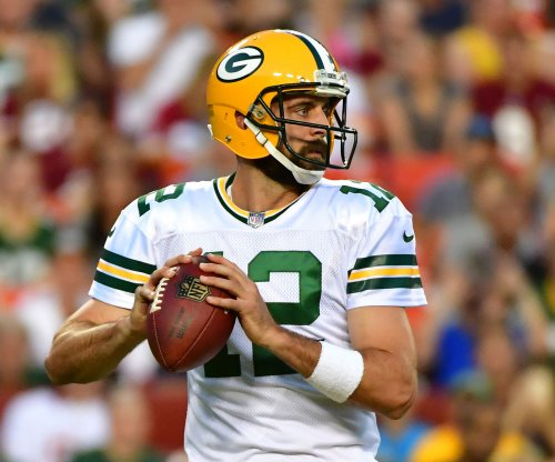 Aaron Rodgers '100 percent supportive' of players who choose to protest national anthem