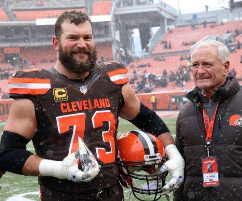 Browns LT Joe Thomas endorses new acquisitions