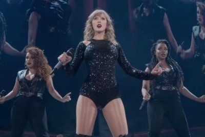 Taylor Swift lights up the stage in trailer for Netflix concert special