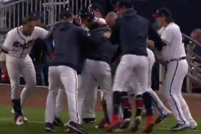 Ozzie Albies propels Atlanta Braves into first place in NL East with walk-off hit