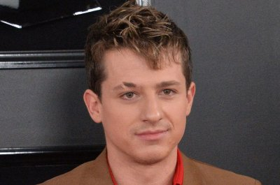 Charlie Puth sings as The Doobie Brothers on 'Tonight Show'