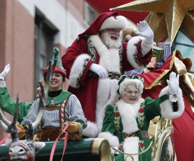 Santa actors were offered early vaccine as part of scrapped federal PSA campaign: HHS