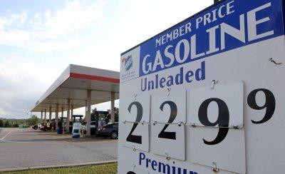 Oil prices make slight gains Tuesday