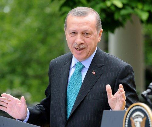 Erdogan seeks presidential republic as polls close in Turkey