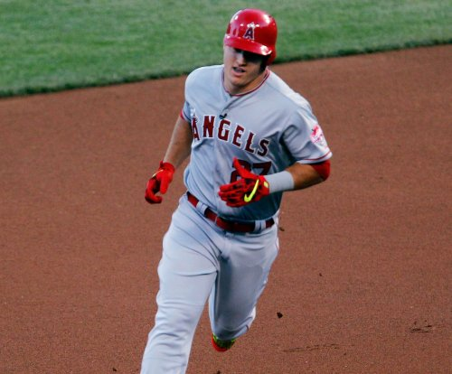 C.J. Cron, Mike Trout hit homers in Los Angeles Angels' win