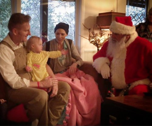Joey Feek and family get an early visit from Santa Claus