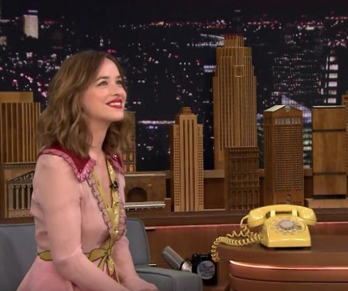 Dakota Johnson, Jimmy Fallon play the Acting Game