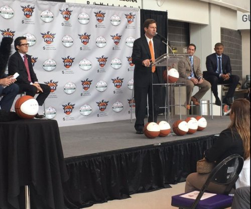 Phoenix Mayor bashes Donald Trump at announcement of Suns games in Mexico