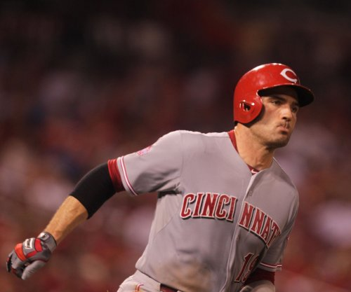 Joey Votto, Tucker Barnhart lead Cincinnati Reds over Pittsburgh Pirates