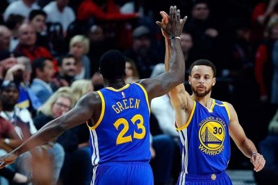 Energized Golden State Warriors rout Portland Trail Blazers, complete series sweep
