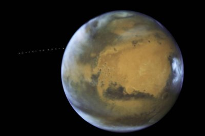 Hubble spots Phobos orbiting Mars