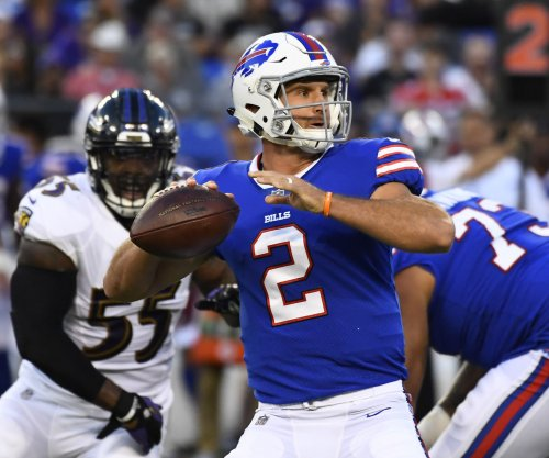 Buffalo Bills QB Nathan Peterman pummeled in NFL debut after Tyrod Taylor benching