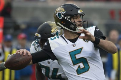 Jacksonville Jaguars: Blake Bortles hopes to pass less vs. Pittsburgh Steelers
