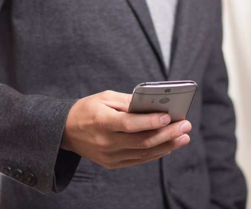 Smartphone app helps heart patients stick to schedule for meds