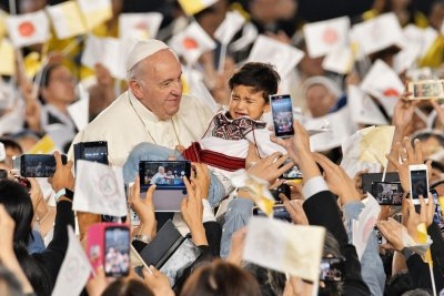 Pope Francis leads holy mass in Japan, urges diplomacy
