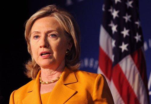 Clinton, Hague discuss Afghanistan