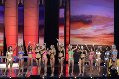 Miss Alabama slams Donald Trump during Miss America pageant