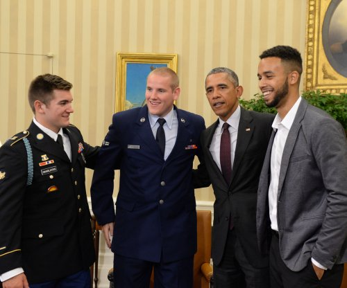 Americans who stopped French train attack meet Obama at White House