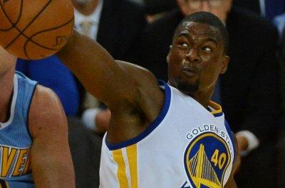 Harrison Barnes' 3-pointer lifts Golden State Warriors over Philadelphia 76ers