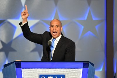 Cory Booker to testify against Jeff Sessions during confirmation hearing