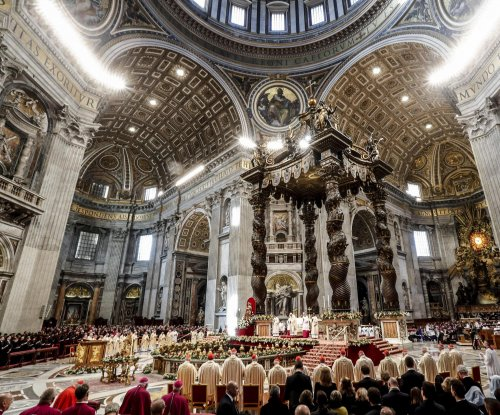 Pope Francis speaks of taking risks, leaving comfort zone during Epiphany mass