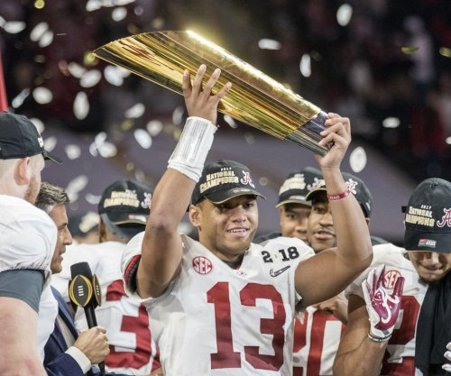 Alabama QBs Jalen Hurts, Tua Tagovailoa express love for each other after championship