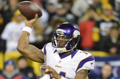Houston Texans add former Vikings, Panthers QB Joe Webb