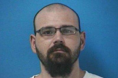 Manhunt on for gunman who fatally shot Tennessee deputy