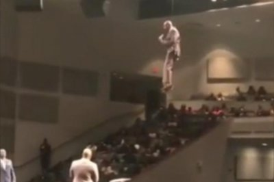 Mississippi preacher's high-flying entrance goes viral
