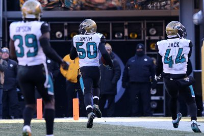 Jaguars drop Dolphins with help of late pick-6