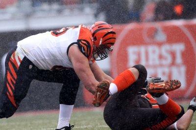 Cincinnati Bengals guard Clint Boling retires because of blood clot in leg