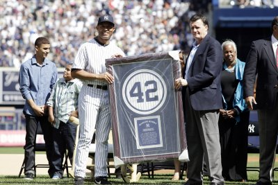 Yankees co-owner Hank Steinbrenner dies at 63