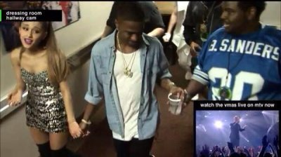 Ariana Grande, Big Sean spotted holding hands at 2014 VMAs