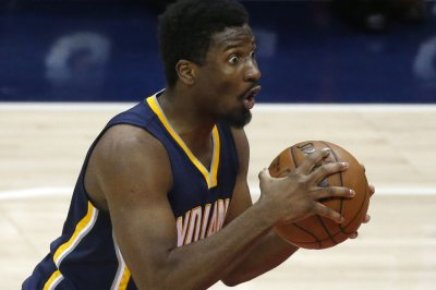 Indiana Pacers top New York Knicks to keep pace in playoff hunt