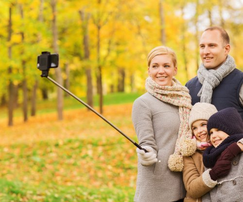Wimbledon bans selfie sticks