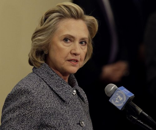 Hillary Clinton to support citizenship path for immigrants