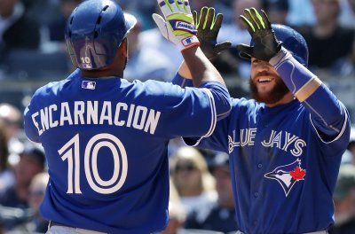 Toronto Blue Jays pound out 11-5 win over New York Yankees