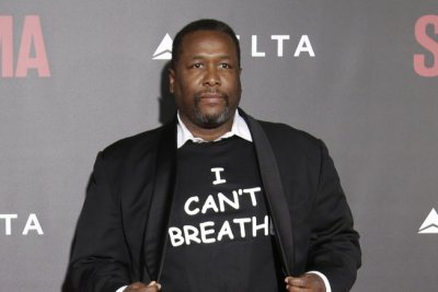 Wendell Pierce arrested for allegedly assaulting a Bernie Sanders supporter