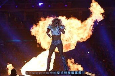 Lady Gaga lights up Super Bowl 51 halftime show