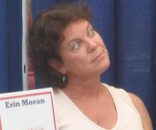 'Happy Days' alum Erin Moran dead at 56; Ron Howard, Henry Winkler react