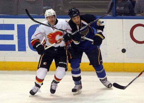 Flames trade Brendan Morrison to Chicago