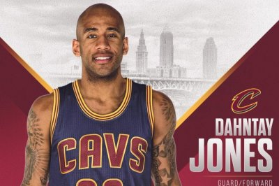 Cleveland Cavaliers sign Dahntay Jones for stretch run