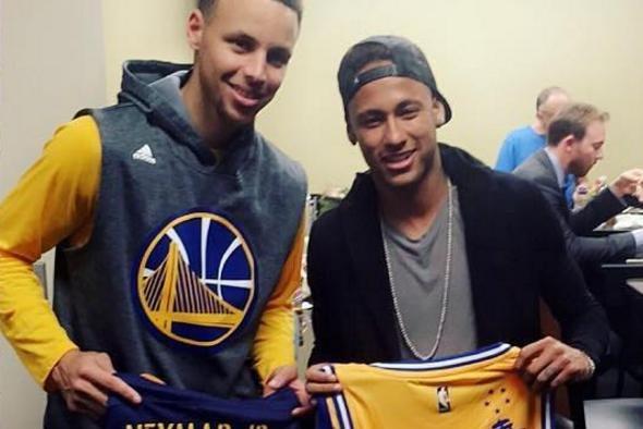 Neymar Jr. hangs out in Golden State Warriors locker room - UPI.com